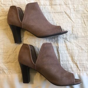 Life Stride peep toe Booties